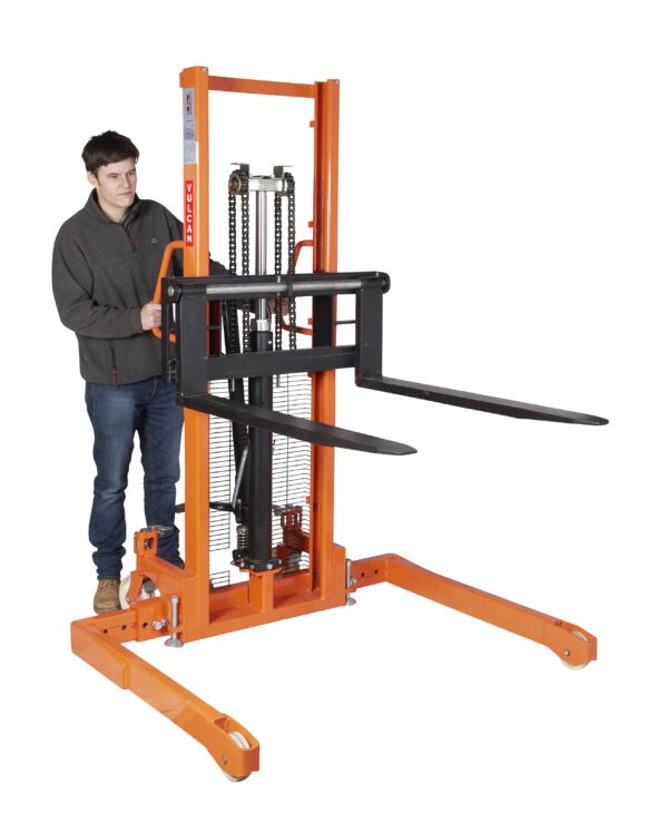 Manual Straddle Stacker